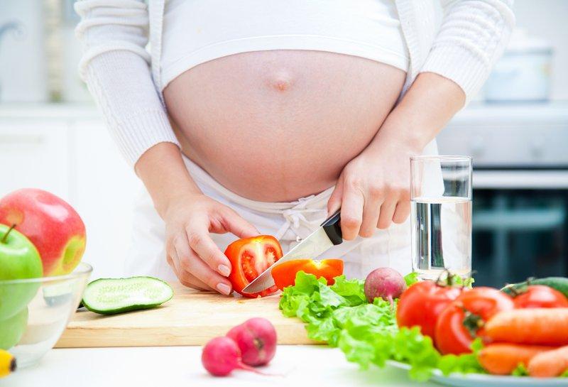 Bà bầu tháng cuối nên ăn bao nhiêu calo mỗi ngày?